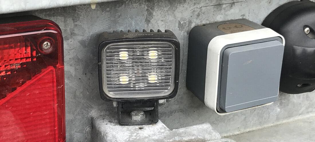 LED werklampen aanhanger aansluiten